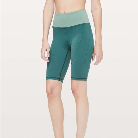 Lululemon Sweat and Repeat Shorts Everlux Size 2